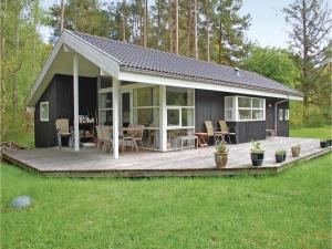 Three Bedroom Holiday home 0 in Rønde