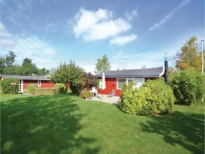 Four Bedroom Holiday Home in Grenaa