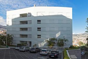 Jasmineiro III by Travel to Madeira, Апартаменты  Фуншал - big - 25