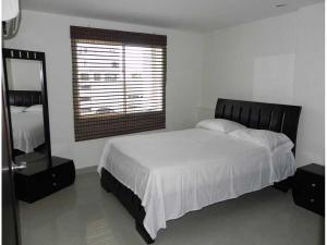 Apartamento Rodadero 24, Apartments  Santa Marta - big - 1