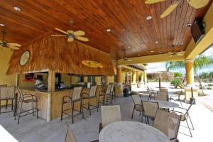 Vacation Home 5 Bedrooms - Kissimmee