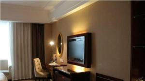 hotel near Shanghai Vienna International Hotel Shanghai Hongqiao Airport Caobao Road