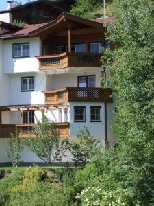 Ferienwohnung Sonnentraum, Apartmanok  Hainzenberg - big - 4