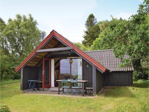 Three Bedroom Holiday Home in Hornbak