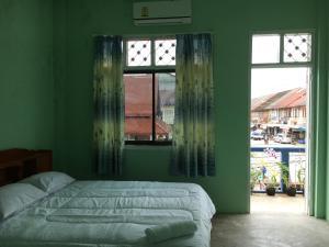 K.G.B. guesthouse, Guest houses  Thakhek - big - 4