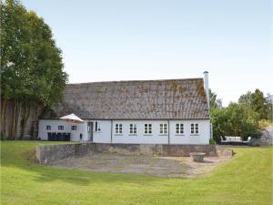 Three-Bedroom Holiday Home in Kirke Hyllinge, Dovolenkové domy  Kirke-Hyllinge - big - 1