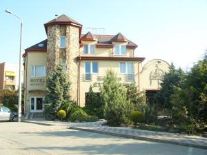 Korona Hotel és Étterem