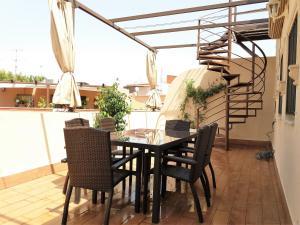 Duplex Amor de Dios, Apartments  Seville - big - 33