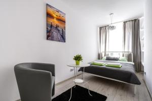 Zlota z dwoma sypialniami, Apartmanok  Varsó - big - 7