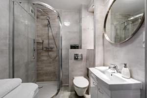 Zlota z dwoma sypialniami, Apartmanok  Varsó - big - 10