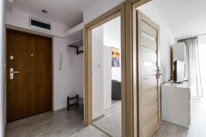 Zlota z dwoma sypialniami, Appartamenti  Varsavia - big - 9