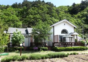 Pilgrim Pension, Holiday homes  Pyeongchang  - big - 38