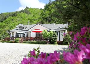 Pilgrim Pension, Holiday homes  Pyeongchang  - big - 37