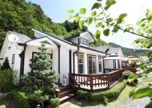 Pilgrim Pension, Holiday homes  Pyeongchang  - big - 35