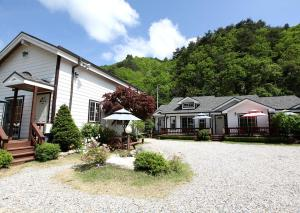 Pilgrim Pension, Holiday homes  Pyeongchang  - big - 33