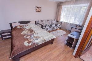 Apartment on Trekhsvyatskoy street 28