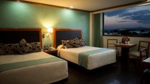 Мехико - Hotel Abastos Plaza