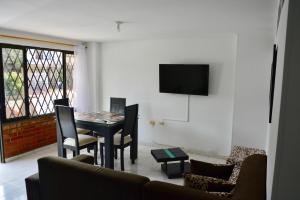 Ideal para familias, empresarios o viajeros, Apartmány  Cali - big - 2