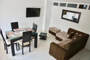Ideal para familias, empresarios o viajeros, Apartments  Cali - big - 4