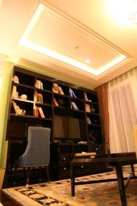 hotel near Yanan Nine Dynasty International Hotel