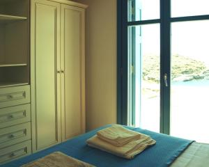Almyra Yellow Villa, Dovolenkové domy  Kithnos - big - 9