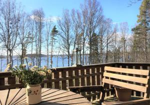 Vacation house next to Lake Vänern, Holiday homes  Gullspång - big - 18
