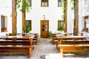 Blum Pince - Borozó Vendégház, Penziony  Villány - big - 30