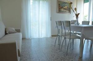 Casa Vacanza Anita, Апартаменты  Агрополи - big - 13