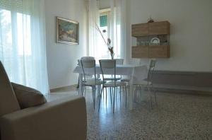Casa Vacanza Anita, Апартаменты  Агрополи - big - 10