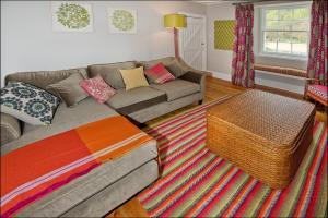 Ardlussa Cottage, Holiday homes  Gairlochy - big - 17
