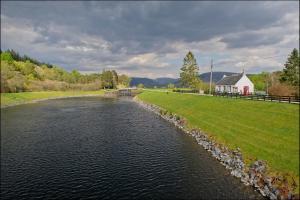 Ardlussa Cottage, Holiday homes  Gairlochy - big - 7