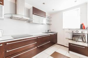 Apartment on Svetlyi 14, Appartamenti  Odessa - big - 12
