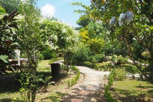 Krua Baan Suan, Загородные дома  Таланг - big - 46