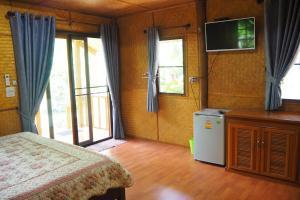 Krua Baan Suan, Загородные дома  Таланг - big - 21