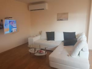 For Friends Guest House, Vily  Chernomorets - big - 5