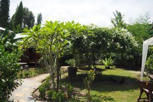 Krua Baan Suan, Загородные дома  Таланг - big - 43
