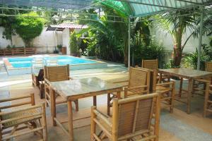 Krua Baan Suan, Загородные дома  Таланг - big - 39