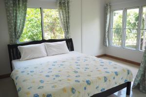 Krua Baan Suan, Загородные дома  Таланг - big - 23