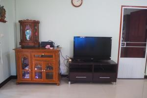 Krua Baan Suan, Загородные дома  Таланг - big - 35