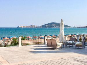 Klaton Beach Hotel
