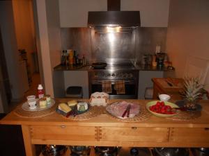 La Maison Du Coteau, Bed & Breakfast  Cachan - big - 15