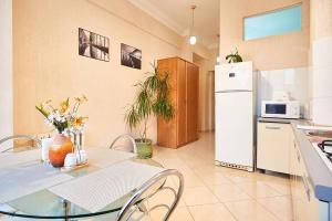 Home Hotel Apartments on Khreshchatyk Area - фото 6