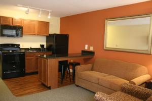 Affordable Suites Mooresville - Hotel