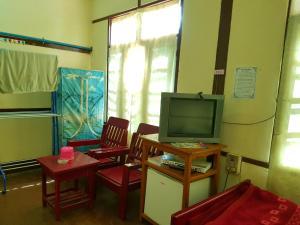 Taw Win Nan Guest House Burmese Only