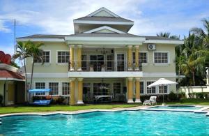 Manglares Bahia Resort