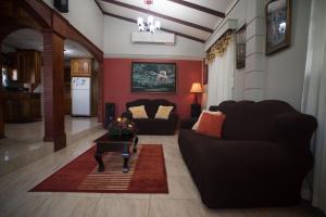 Home away from home, Dovolenkové domy  Chaguanas - big - 4
