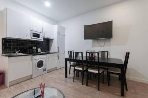 M&F Apartaments Huertas, Apartmány  Madrid - big - 12