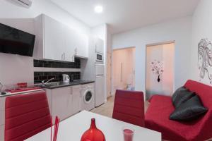 M&F Apartaments Huertas, Apartmány  Madrid - big - 15