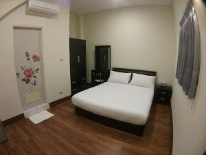 Malaya Guest House, Alloggi in famiglia  Budai - big - 32