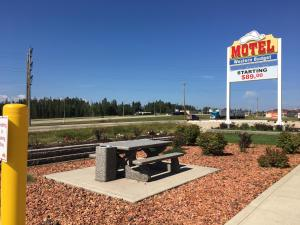 Western Budget Motel #3 Whitecourt, Motels  Whitecourt - big - 24